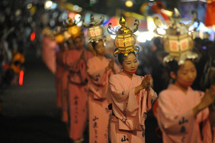 「山鹿燈籠祭」的圖片搜尋結果